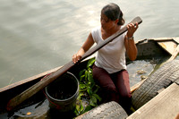 Rio Dulce, Canoe, Woman Selling Crabs1117353a