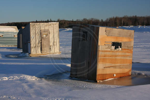 Addison, Pleasant R, Ice Fishing Shacks0937066