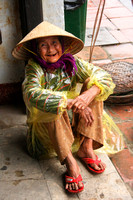 Hoi An, Old Woman V0949429